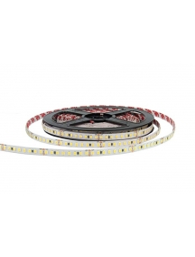 strip led 150lm/w 400 smd 2835 h.e. 30w  ra80  24v  ip20  6000k  luce fredda  2606
